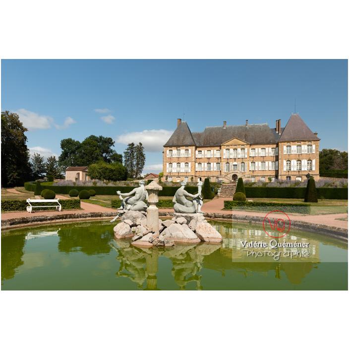 Bassin et fontaine des naïades au jardin remarquable du château de Drée (MH) à Curbigny / Saône-et-Loire / Bourgogne-Franche-Comté - Réf : VQFR71-2893 (Q3)