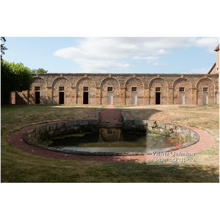 Bassin et chenil du château de Drée (MH) à Curbigny / Saône-et-Loire / Bourgogne-Franche-Comté - Réf : VQFR71-2904 (Q3)