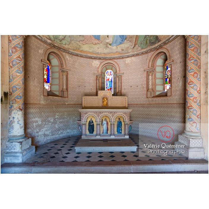 Chœur intact des restes de l'église du château de Pierreclos / Saône-et-Loire / Bourgogne-Franche-Comté - Réf : VQFR71-3177 (Q3)