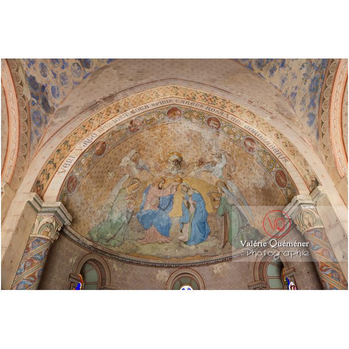 Peinture au plafond du chœur de l'église du château de Pierreclos / Saône-et-Loire / Bourgogne-Franche-Comté - Réf : VQFR71-3178 (Q3)