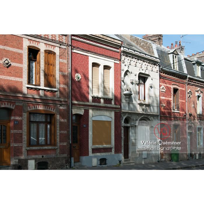 Façades en briques de maisons à Amiens / Nord / Hauts-de-France - Réf : VQFR80-0001 (Q2)
