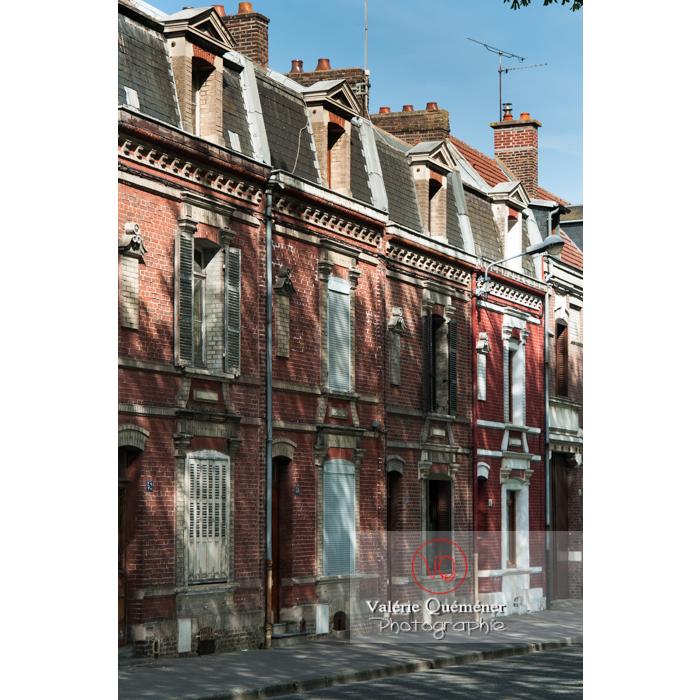 Façades en briques de maisons à Amiens / Nord / Hauts-de-France - Réf : VQFR80-0002 (Q2)