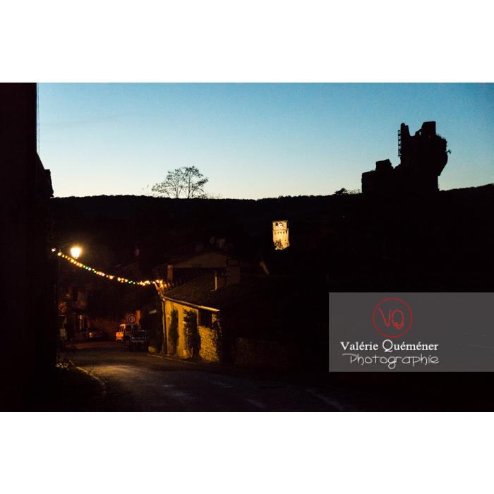 Village de Penne au crépuscule et silhouette du château / Tarn / Occitanie - Réf : VQFR81-0391 (Q3)