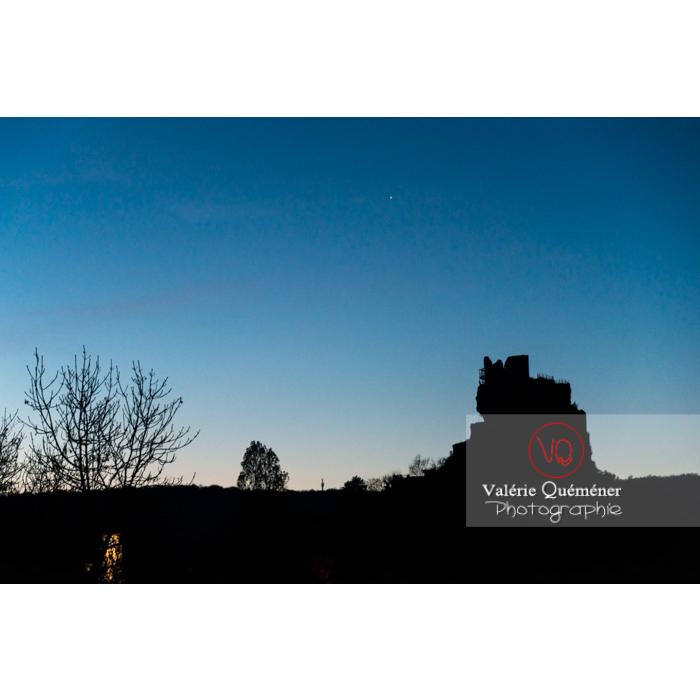 Silhouette du château de Penne au crépuscule / Tarn / Occitanie - Réf : VQFR81-0392 (Q3)