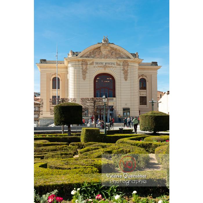 Théâtre municipale de Castres derrière le jardin de l'Évêché / Tarn / Occitanie - Réf : VQFR81-0744 ( Q3)