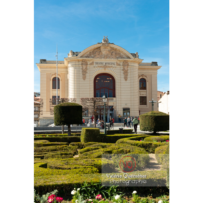 Théâtre municipale de Castres derrière le jardin de l'Évêché / Tarn / Occitanie - Réf : VQFR81-0744 (Q3)