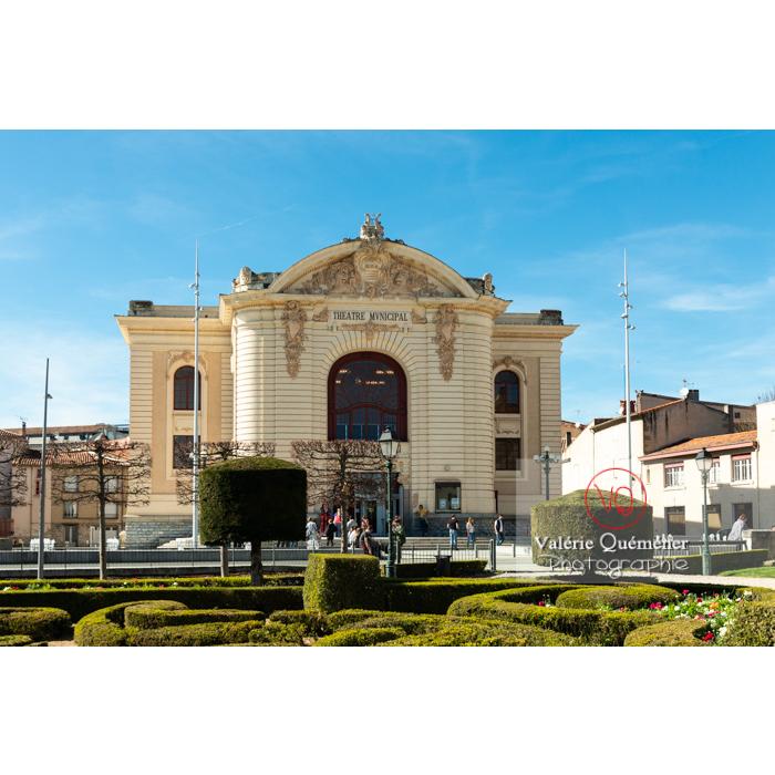 Théâtre municipale de Castres derrière le jardin de l'Évêché / Tarn / Occitanie - Réf : VQFR81-0745 (Q3)