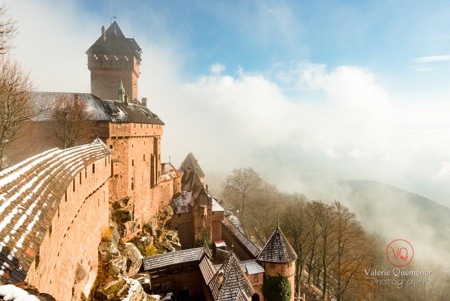 Château du Haut-Koenigsbourg dans la brume et la neige en hiver | © Valérie Quéméner - Réf : VQFR67-0182