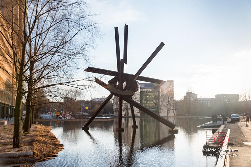 © Valérie Quéméner - Sculpture Galileo de Mark di Suvero à Berlin / Réf : VQALL_BL-0070