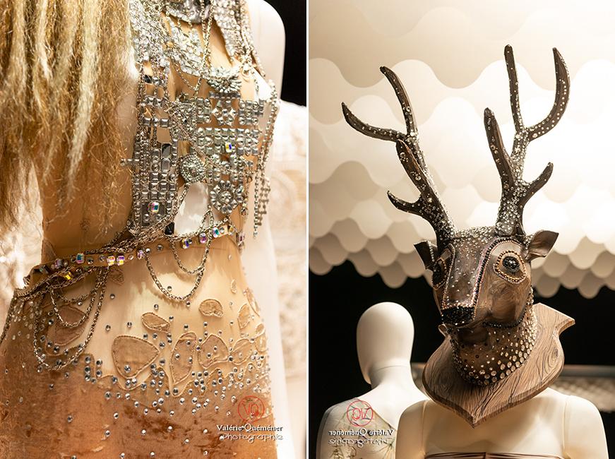 Perles, peau et tête de cerf pour Jeroen Verbruggen pour le ballet de Monte-Carlo, CNCS à Moulins | © Valérie Quéméner - Réf : VQFR03-0369-0376