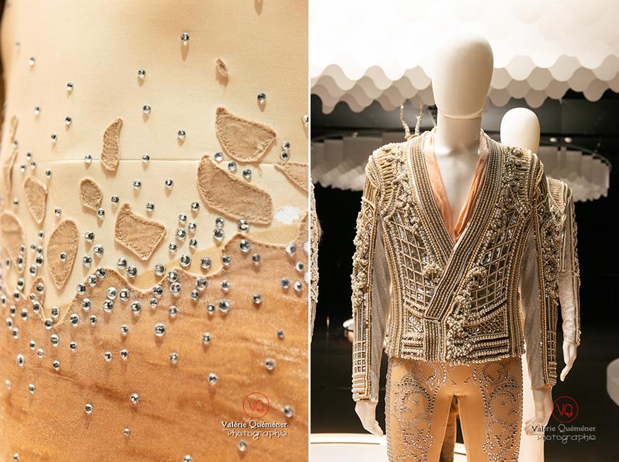 Texture peau de bête pour Jeroen Verbruggen et costume en perle d'Olivier Rousteing chez Balmain, CNCS à Moulins | © Valérie Quéméner - Réf : VQFR03-0375-0379