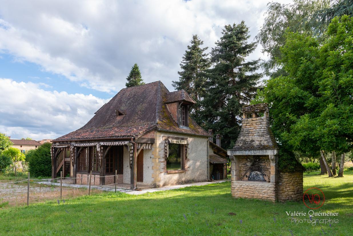 Ancien four extérieur dans le village de Trémolat | © Valérie Quéméner - Réf : VQFR24-0277
