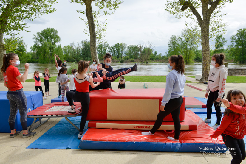 Séance de gym en extérieur, Digoin | © Valérie Quéméner - Réf : VQST-4589