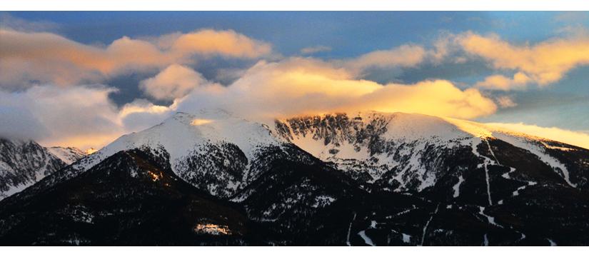 Coucher de soleil sur le Cambre d'Aze, Pyrénées | © Valérie Quéméner