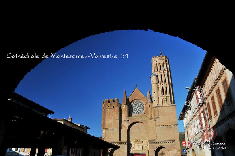 Cathédrale de Montesquieu-Volvestre . Photo © Valérie Quéméner